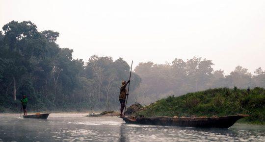 canoe chitwan