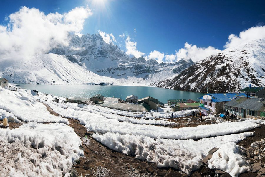 gokyo lake winter